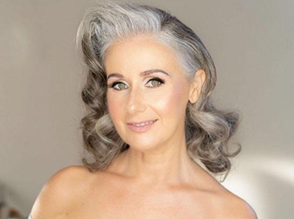 Medium Hairstyles For Mature Women