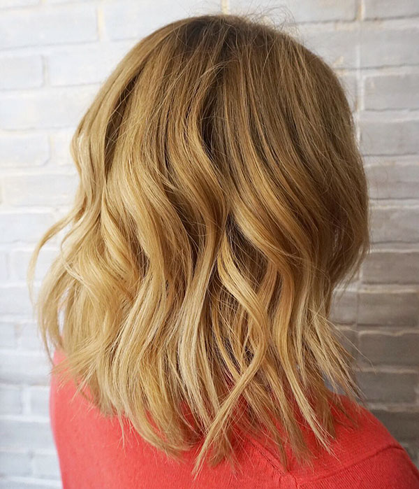 Medium Wavy Hairstyle Ideas